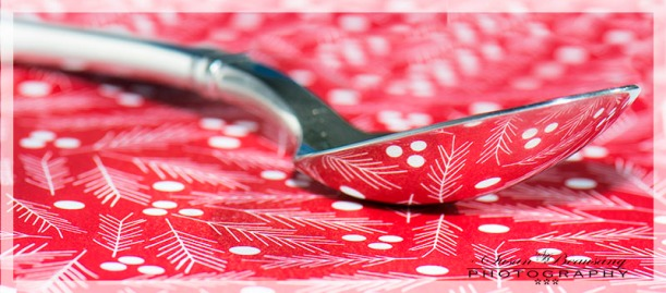 Macro, spoon reflection